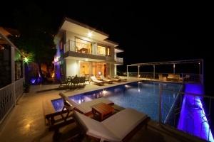 Villa Oscar - 3 Oda -6 Kişilik - Üzümlü